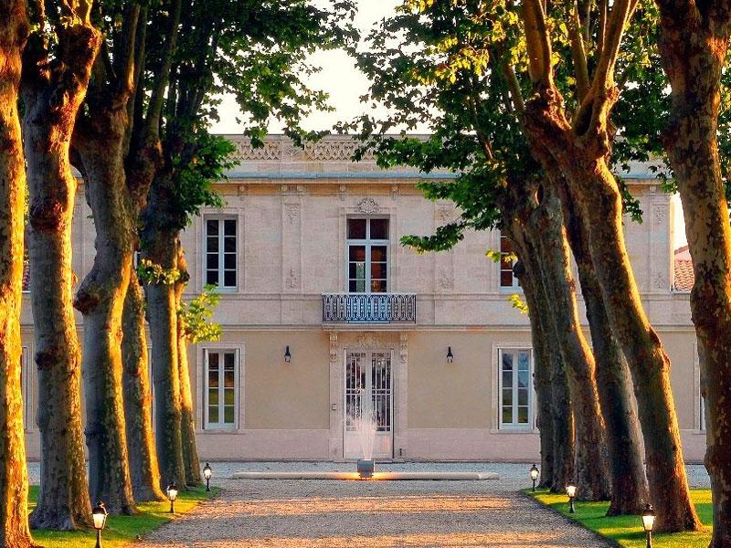 Devanture Château Haut Breton Larigaudière